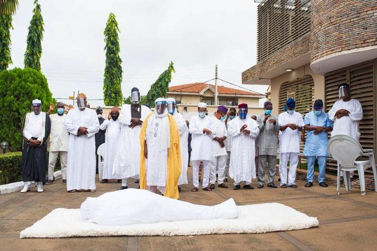 Islamic Clerics, Others Attends Abiola Ajimobi's Burial Amidst Heavy Security In Ibadan [Photos] 4