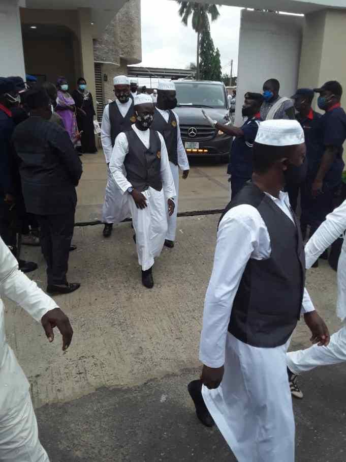Islamic Clerics, Others Attends Abiola Ajimobi's Burial Amidst Heavy Security In Ibadan [Photos] 2