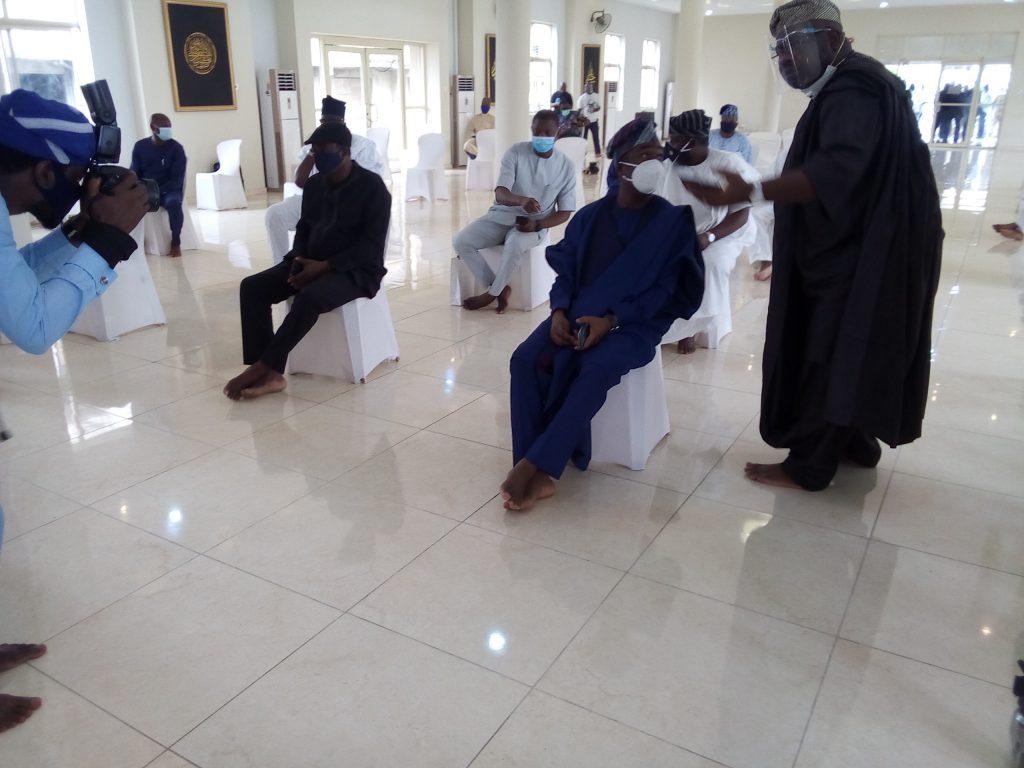 Islamic Clerics, Others Attends Abiola Ajimobi's Burial Amidst Heavy Security In Ibadan [Photos] 9