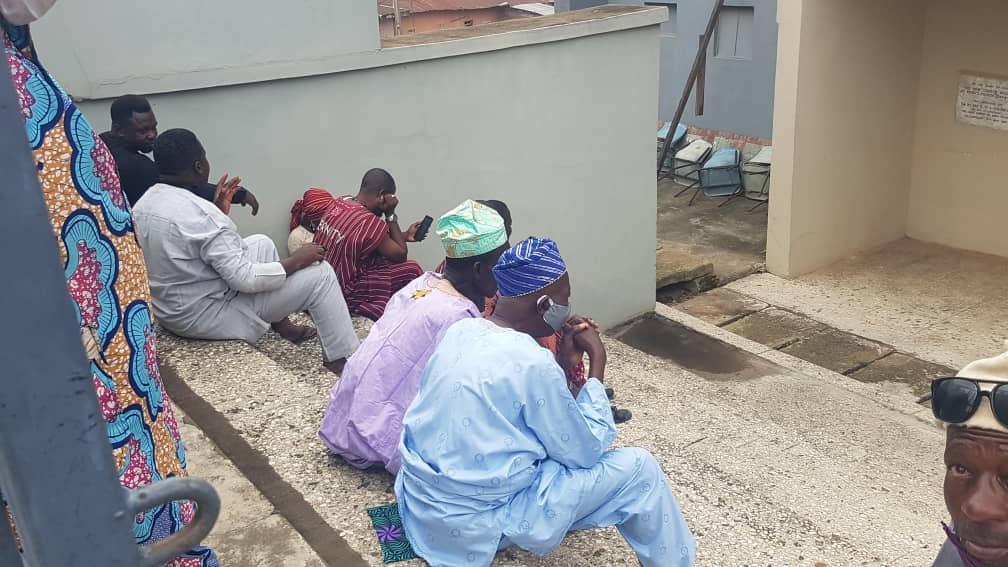 Obasanjo Observes COVID-19 Protocol At Mother-In-Law's Burial, Shuts Out His Associates [Photos] 3