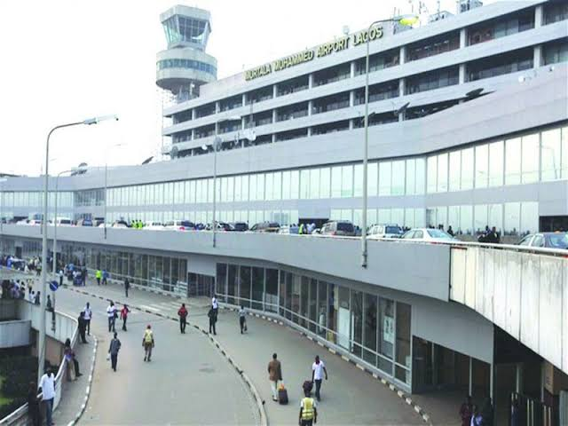 Nigerian Immigration Service Prevents 58 Doctors From Travelling To London Over Lack Of Visa 1