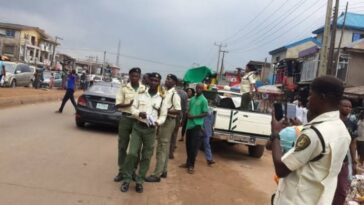 Man Commits Suicide In Presence Of Traffic Officials After He Was Fined N215,000 In Ogun 8