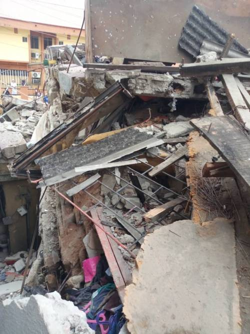 Many Feared Dead As Three-Storey Building Collapses In Ebute-Metta Area Of Lagos [Photos/Video] 5