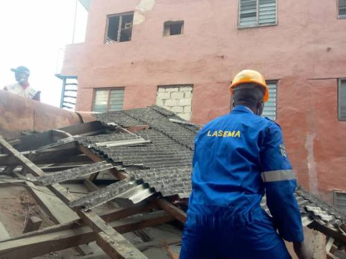 Many Feared Dead As Three-Storey Building Collapses In Ebute-Metta Area Of Lagos [Photos/Video] 3
