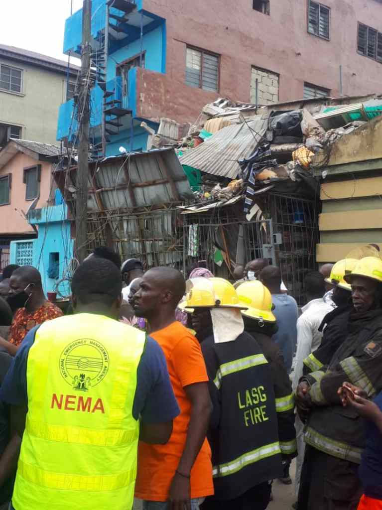 Many Feared Dead As Three-Storey Building Collapses In Ebute-Metta Area Of Lagos [Photos/Video] 2