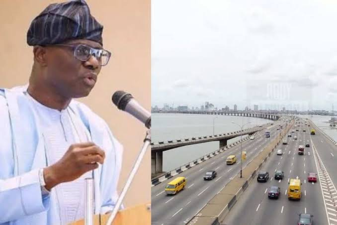 Governor Sanwo-Olu Rescues Man From Suicide Attempt On Third Mainland Bridge Over N500K Debt 1