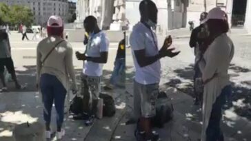 Lady Rejects Engagement Because Her Boyfriend Refused To Kneel Down While Proposing [Video] 4