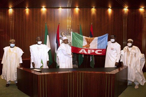 President Buhari Endorses Pastor Ize-Iyamu For Edo Governorship, Hands Over APC Flag [Photos] 5