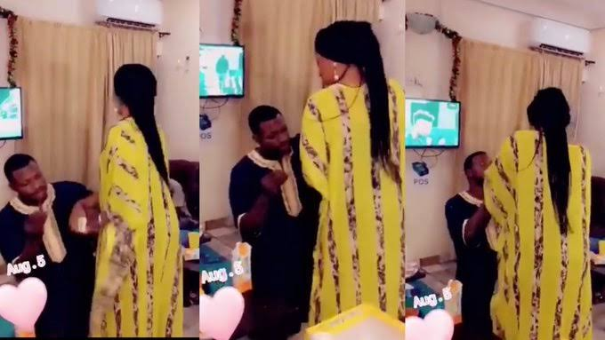 Drama As Man Forces Ring On Girlfriend's Finger After She Rejects His Marriage Proposal [Video] 1