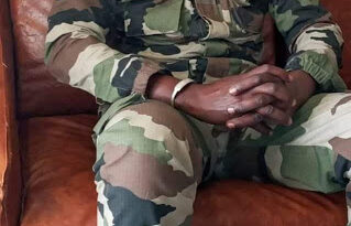 See The Soldier That Overthrew Malian president today and arrested the president, senior military commanders and top government officials 1