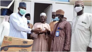 Yobe Government Rewards Commercial Driver For Returning Lost N1.3 Million To Owner [Photos] 2