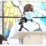 Catholic Priest Slumps And Dies While Preaching On The Alter During Sunday Mass [Video] 27