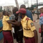 Two LASTMA Officers Caught On Camera Fighting Passengers Over N100 Bribe In Lagos 27