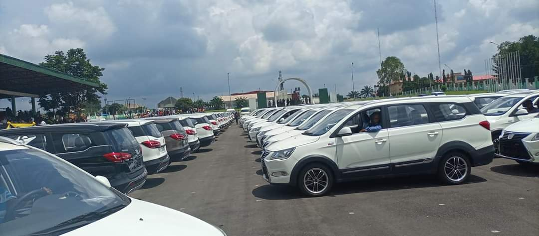 Governor Obiano Distributes 130 Innoson Ikenga SUV To Traditional Rulers In Anambra State [Photos] 6