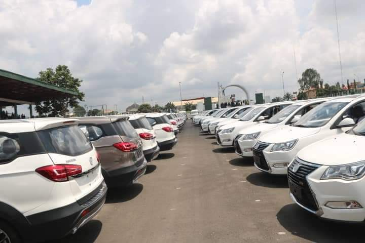 Governor Obiano Distributes 130 Innoson Ikenga SUV To Traditional Rulers In Anambra State [Photos] 5