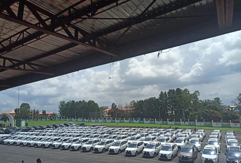 Governor Obiano Distributes 130 Innoson Ikenga SUV To Traditional Rulers In Anambra State [Photos] 2