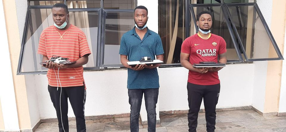 EFCC Arrests Three Suspected Internet Fraudsters In Abuja, Sieze Two Lexus SUVs [Photos] 1