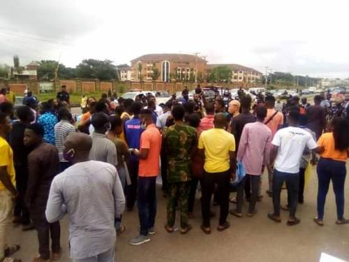Nigerian Students Kicks Off Nationwide Protest Over Increase In Electricity, Petrol Price [Photos] 4