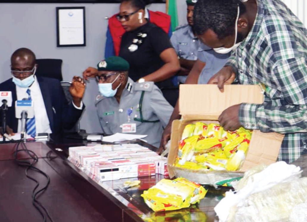 Customs Arrests Nigerian Man Traveling To Dubai With 2,886 ATM Cards At Lagos Airport 1
