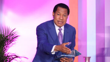 Pastor Chris Oyakhilome Says Rapture Will Happen In Three Years, Calls For 'Lost Souls' 7