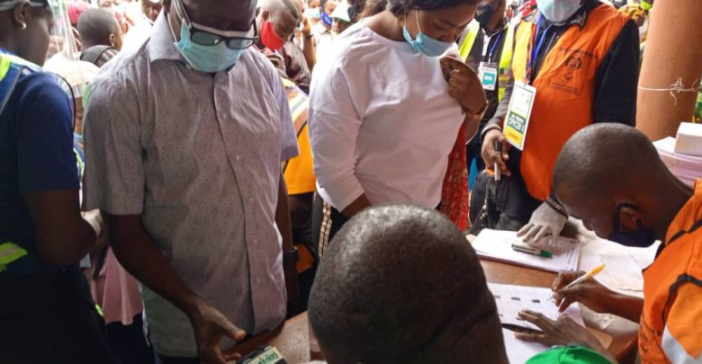 Edo Election: Oshiomole, Ize-Iyamu Cast Their Votes, Expresses Confidence That APC Will Win 3
