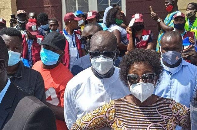 Edo Election: Fight Breaks Out At Polling Unit As Governor Obaseki And Wife Cast Their Vote 2