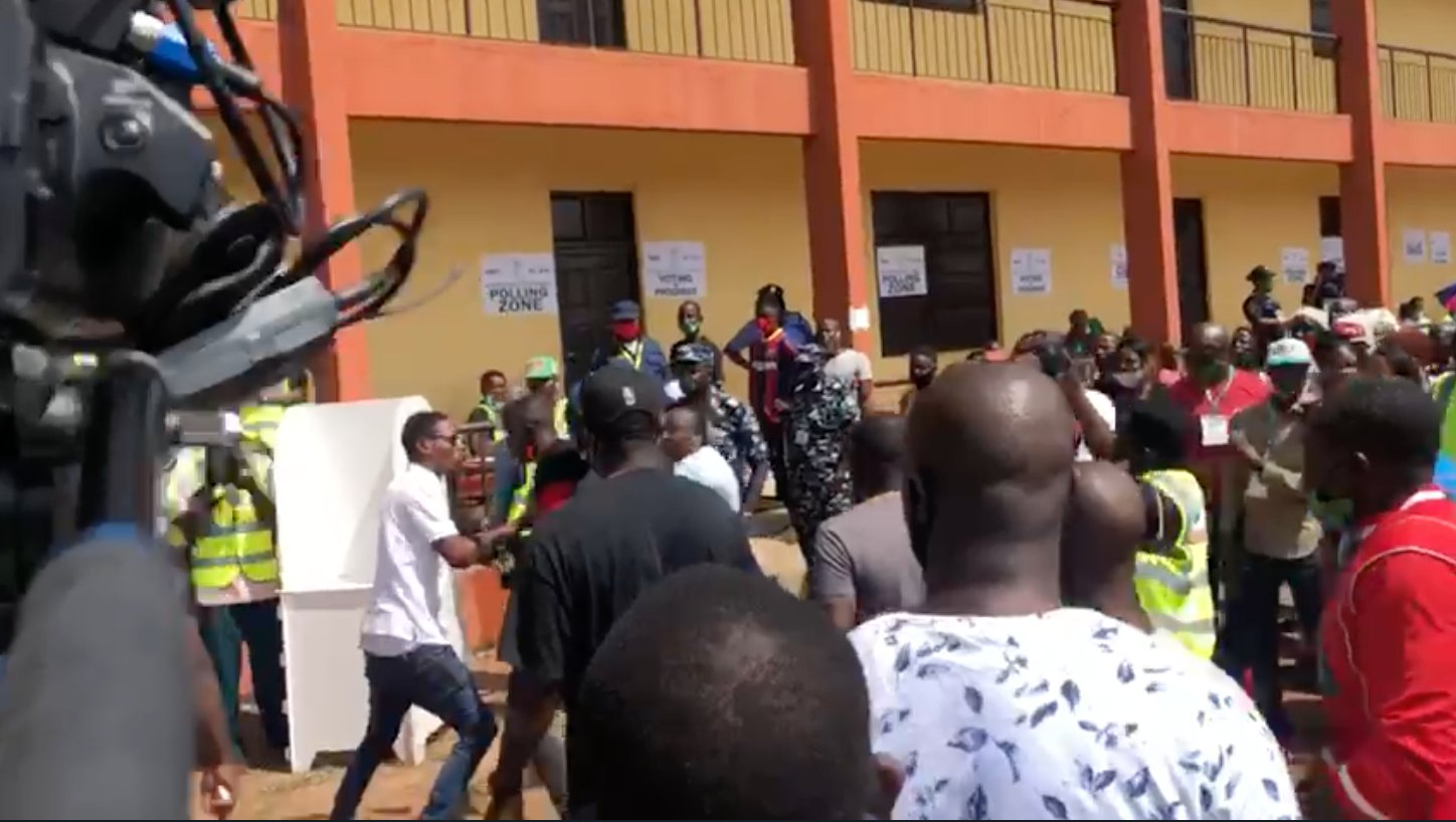 Edo Election: Obaseki's Thugs Chase Away Agents Of Other Political Parties From Polling Unit [Video] 1