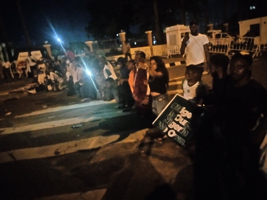 #ENDSARS: Lagos Protesters Raises Alarm Over Plot By Police Officers To Kill Them [Video] 1