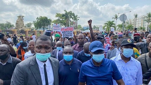 Sanwo-Olu joins #EndSARS protest announce N200 Million fund for victims of Police brutality 1