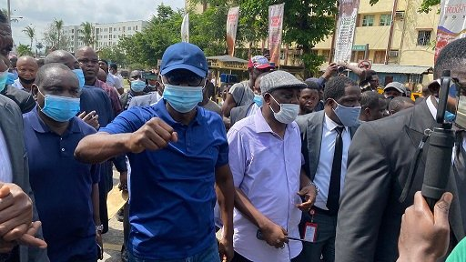 Sanwo-Olu joins #EndSARS protest announce N200 Million fund for victims of Police brutality 2