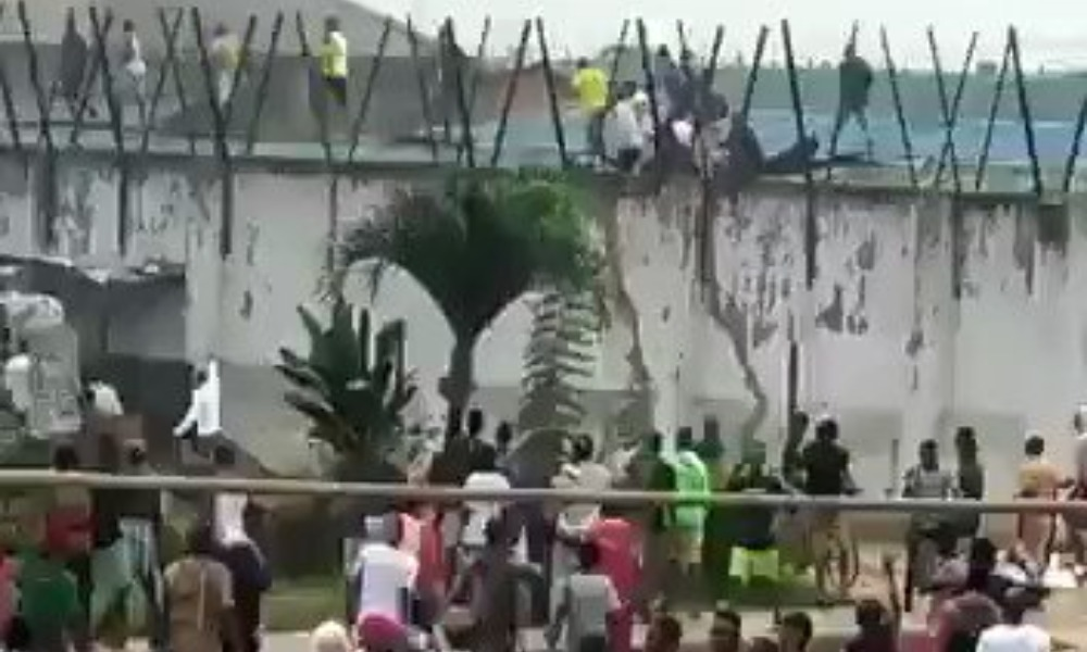 Unrest In Benin As Hoodlums Hijack #EndSARS Protest, Release Prisoners From Jail [Video] 1