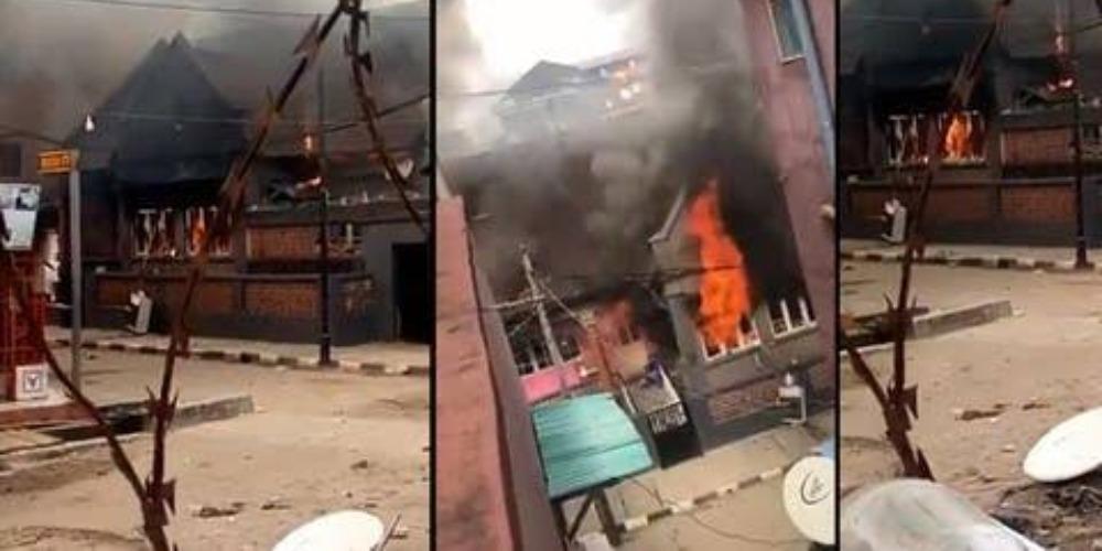 Angry Mob Burns Down Governor Sanwo-Olu's Family House In Lagos Island [Video] 1