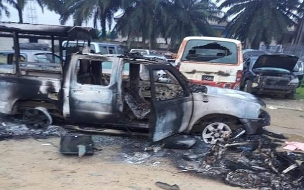 #EndSARS: Hoodlums Burn Police Station and Appeal Court in Rivers State 1