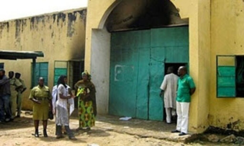 Ikoyi Prison on fire as soldiers, police battle with hoodlums over attempted jail break 1