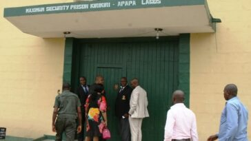 Kirikiri prison under attack: Hoodlums storm Kirikiri maximum prison 6