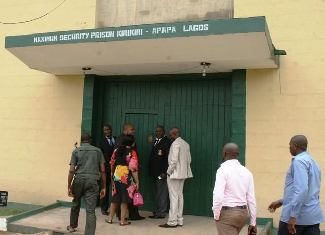 Kirikiri prison under attack: Hoodlums storm Kirikiri maximum prison 1