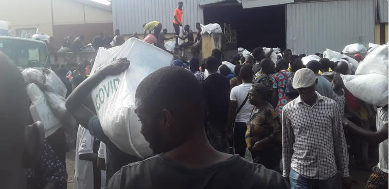 Lagos Residents Discover A Warehouse Loaded With COVID-19 Palliative Meant For Nigerians [Video] 1