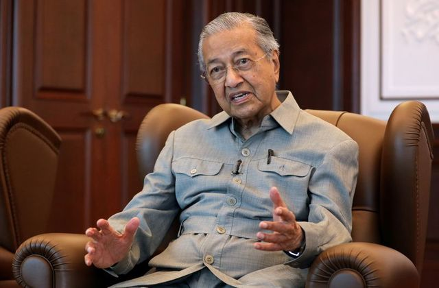 Malaysia's Former PM, Mahathir Mohamad Says Muslims Have Right To Kill Millions Of French People 1