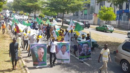 Shi'ites Protest Against French President Emmanuel Macron In Abuja, Burns Country Flag 2