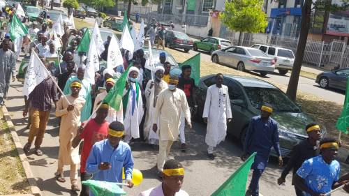 Shi'ites Protest Against French President Emmanuel Macron In Abuja, Burns Country Flag 4