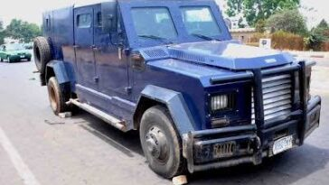 Bullion van robbery in Ajah: Two killed as Armed robbers attack bullion van in Lagos - VIDEO 4