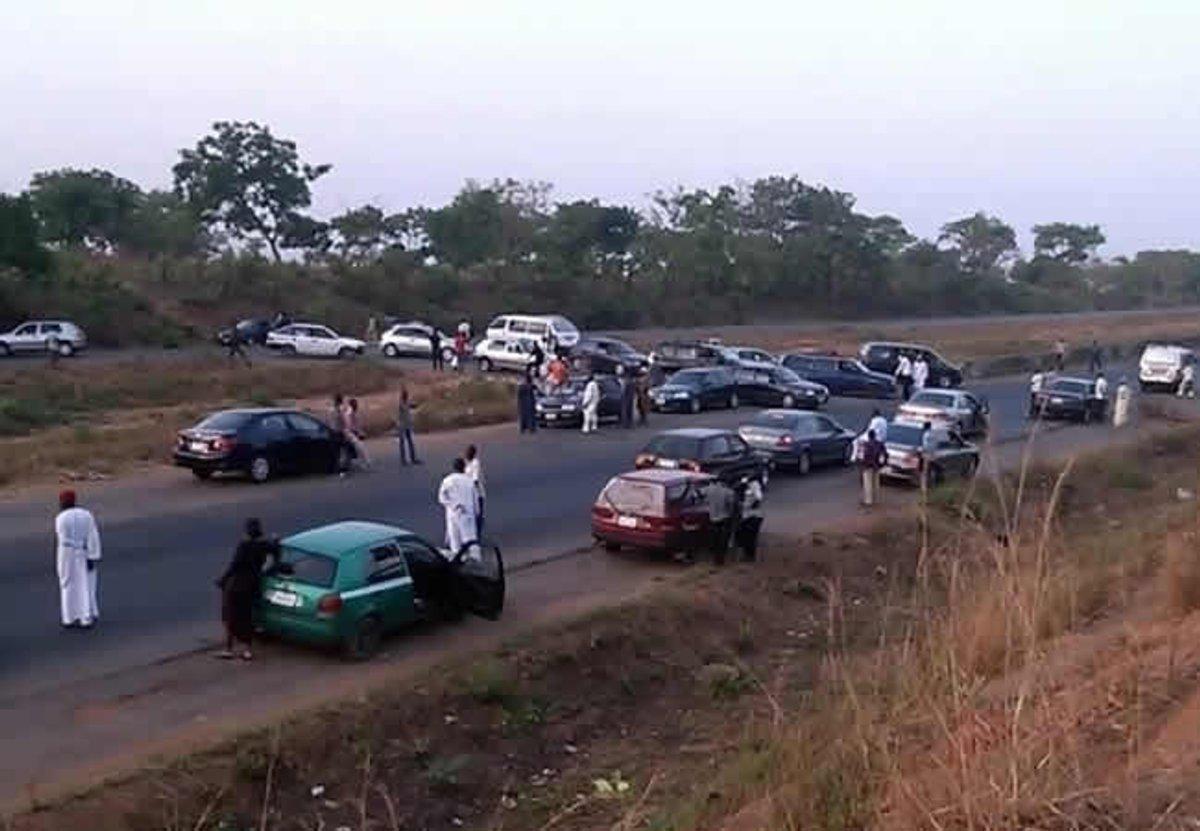 Gunmen Kill Two Persons, Kidnap Five Other Travellers Along Abuja-Kaduna Highway 1