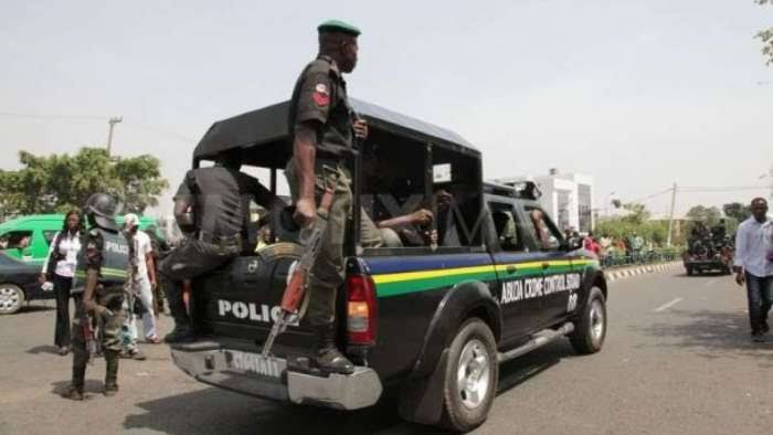 Trigger-Happy Policeman Shoots 17-Year-Old Girl, Two Other Market Women In Bayelsa 1