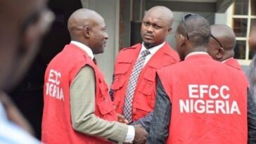 Former CBN Bankers Accuses EFCC Of Collecting Bribe To Release Them From Custody 1