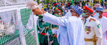 Drama As Pigeons Released By Buhari Refuse To Fly At Armed Forces Remembrance [Video] 28
