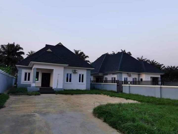 Governor Ikpeazu Presents 2 New Houses As Official Quarters To Abia Security Chiefs 4