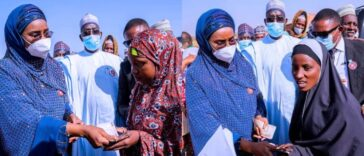 Federal Government Shares N20,000 Each To 247 Fulani Women Under Miyetti Allah 23