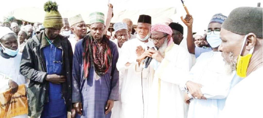 Over 500 Bandits Promise To Surrender After Peace Deal With Sheikh Gumi In Kaduna 1