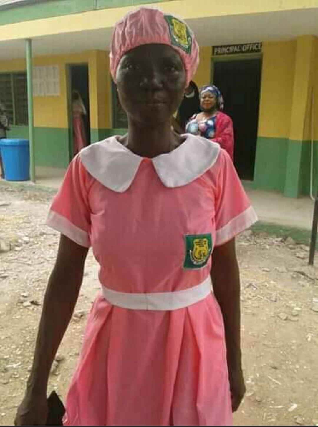 50-Year-Old Woman, Ajayi Folashade Enrolls In JSS2 Class At Ilorin Grammar School [Photos] 1