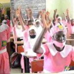 50-Year-Old Woman, Ajayi Folashade Enrolls In JSS2 Class At Ilorin Grammar School [Photos] 28